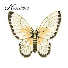 Wholesale Enamel Pins - Fashion Jewelry Retro Style Antique Gold Beige Orange Enamel Butterfly Lovely Girl Insect Brooch Fashion Women Accessories