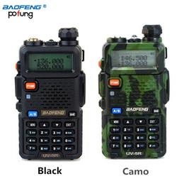 Radio walkie baofeng online-Al por mayor-BAOFENG UV-5R Walkie Talkie Radio de doble banda 136-174Mhz 400-520MHz de mano de dos vías de radio UV5R (Negro / camuflaje)
