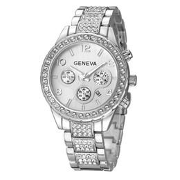 Regalo de navidad 2017 de Lujo GENEVA Relojes Mujeres Diamantes Relojes Pulsera Ladies Designer Relojes de Pulsera 3 Colores Envío Gratis desde fabricantes
