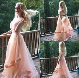 Due pezzi promenade per gli adolescenti online-2017 Two Piece Teens Prom Dresses Scoop senza maniche con paillettes Tulle Blush Pink Sweet Sixteen Abiti Abiti da laurea