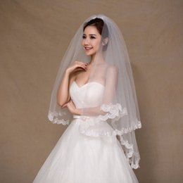 Wholesale Short Elegant Wedding Veils - White Ivory 2 Color Elegant Bridal Veils 1.5 Meters 2 Layers Long Tulle Cheap Lace Short Wedding Veils With Comb Free Shipping CPA858