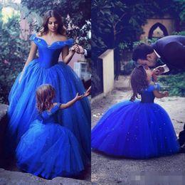 vestido de noiva azul-real de cinderela Desconto 2019 novos vestidos de cinderela meninas de flor para o casamento fora do ombro frisado azul meninas pageant vestidos vestidos de baile