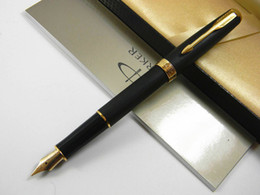 Pontas de caneta on-line-2 Pc Office Parker Gold Dourado Matte Black M Nib Fountain Pen