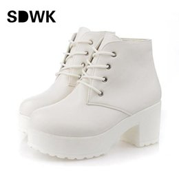 Wholesale white rubber combat boots - Wholesale-New Fashion Black&White Women Platform Heels Ankle Boots Thick Heel Platform Shoes Combat Boots B194