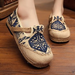 Wholesale Chinese Cloth Styles - Plus Size 44 Fashion Women Shoes, Old Beijing Mary Jane Flats With Casual Shoes, Chinese Style Embroidered Cloth shoes woman