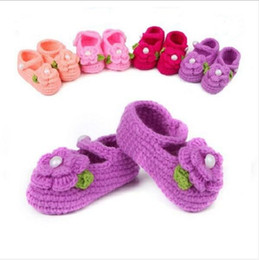 Wholesale Handmade Baby Booties - Baby First Walkers Toddlers Flower Pearl Crochet Shoes Children Handmade Bead Crocheted Prewalker Girl Sandals Kids Fashion Booties Shoes L5
