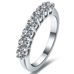 Envío de la gota 0.7 ct 7 piedras anillo de compromiso de diamantes sintéticos moda 925 joyería de plata esterlina anillos para mujeres Pt950 Stapmed desde fabricantes