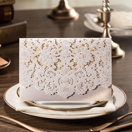 Wholesale Luxury Wedding Cards - Wholesale-1pcs Gold Red White Laser Cut Luxury Flora Wedding Invitations Samples Elegant Lace Party Decorations Cards JJ628