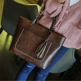 Wholesale Brand New Cell Phones - 2017 new fashion women handbags single shoulder bag High capacity totes bags Tassel design brand designer bags