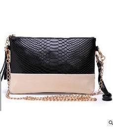Wholesale Ladies Fashion Handbags Wholesale - Wholesale-luxury ladies party purse e Female chains messenger bags crossbody bags pu handbags Women's Clutches Famous Brands Gift