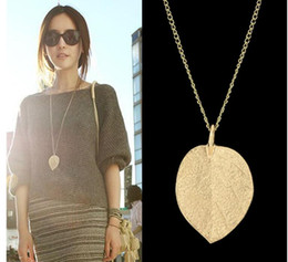 Wholesale Costume Jewelry Gold Chains - Latest Design Necklace Jewelry Cheap Costume Jewelry Gold Color Alloy Leaf Design Pendant Necklace Fashion Jewelry For Women