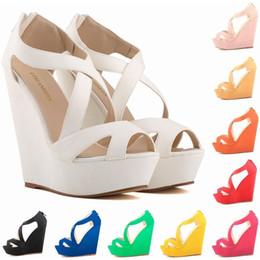 Искусственный замшевый насос онлайн-Sapato Feminino мода женщины вырезать искусственной замши платформы насосы Peep Toe высокие каблуки Клин обувь сандалии EUR размер 35-42 D0092