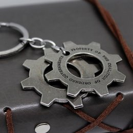 Wholesale Gear Wars - Gears of War 4 Pendant keychain Bronze Delta Squad fashion Cospaly Jewelry silver color charms metal model Chaveiro 2017 Retail wholesale