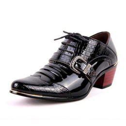 Wholesale high fashion dress men boots - Size 38-44 Fashion Italian Designer Formal Mens Dress Shoes Patent Leather Black Blue Luxury Wedding Male High Heel Shoes D30
