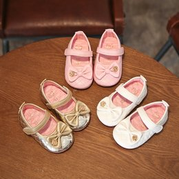 Wholesale Infant Shoes Gold - 2017 Newborn First Shoes Walkers New Bowknot Gold Flower Baby Shoes Autumn Bow Toddler soft-soled Shoes Infant Soft Prewalker 15-19 A7083