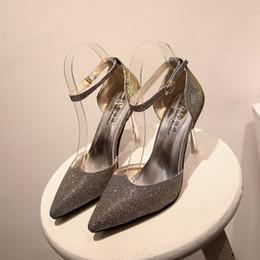 2019 zapatos de la boda de raso de marfil vuelos Nuevos zapatos de boda de cristal esmerilado Zapatos de boda de tacones altos Blanco Negro Zapatos de boda de mujer de oro Grape Bombas 6-8cm Tamaño 34 a 39