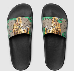 Wholesale Tiger Shower - High quality men's designer slippers clip feet flip style European Tiger lines style Shoes luxury brand sandals