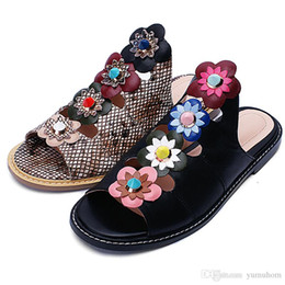 Wholesale Mop Flowers - 2017 Brand Designer Women Slippers Genuine Leather Gladiator Sandals Flats Casual Shoes Cut Out Rivets Flower Slippers Fashion Summer S01