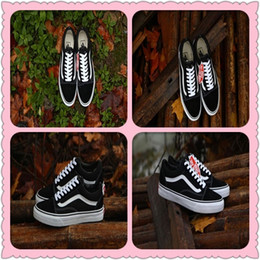 Wholesale Old Pvc Women - Classic Old Skool Low Cut Casual Canvas Shoes Classical White Black Brand Women And Mens Sneakers Skateboarding Shoes