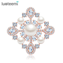 Wholesale Square Brooch - Imitation Pearl Brooch Pins for wedding Square Shape Clear CZ Stone Clothes Apparel Jewelry accessories New Arrival LUOTEEMI