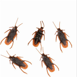 Wholesale Rubber Cockroaches - Wholesale-10pcs lot Jokes funny Toys Gags Practical Cockroach Plastic Bugs April Fool's Day props Simulated Cockroach Halloween Decoration