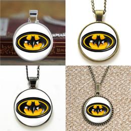2019 brincos de morcego 10 pcs O homem morcego Superhero Comic Pingente de Colar de chaveiro marcador brinco brinco pulseira desconto brincos de morcego