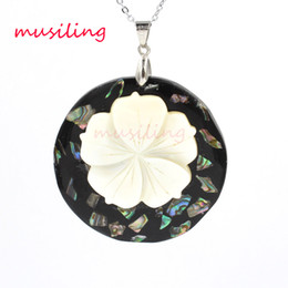 Wholesale Mother Pearl Flower Necklaces - Relievo Abalone Shell Pendant Necklace Chain Flower Alternate Splicing Pendant Accessories Silver Plated European Trendy Jewelry