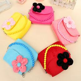 Wholesale Handbags Princess - Wholesale-Lovely Stereoscopic Flowers Plush Messenger Bag Princess Package For Baby Girls Children Kindergarten Handbag Gifi
