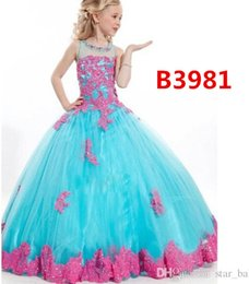 Wholesale Fancy Embroidered Dresses - Hot Sell 4 Colors Childs Sweet Sleeveless Tutu Ruffle Dress Children Girls Pearl Lace Fancy Wedding Party Bowknot Dress Kids Princess Dress