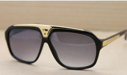 Wholesale Sunglasses Spot - 2017 men's and women's selling classic retro sunglasses sunglasses sunglasses trendsetter spot 0105 color with Original box free shipping