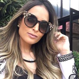 Wholesale Poly Crystal - Women Cat Eye Sunglasses Vintage Brand Designer Crystal Diamond Frame Flat Top Sunglasses A047