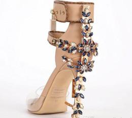 Argentina Edición limitada de Transpare Sex Perspex Sandalias de tacón alto Calidad de tobillo Mujeres Sandalias Botas Peep Toe Rhinstone Lock Design Shoes mujer supplier shoes boot design Suministro