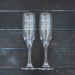 Wholesale Personalized Wedding Set - Personalized Toasting Glasses Set of 2 Bride and Groom Champagne Glasses Wedding Gift