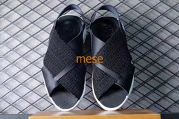 Wholesale Comfortable Black Sandals For Women - 2017 New arrive Huarache Ultra Women Sandals for High Quality Slip-On Summer Black Sandals 885118-001 Fashionable and comfortable