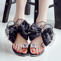 Wholesale New Fashion Women Summer Korea - South Korea genuine flat crystal flower lady sandals 2017 new summer women's black lace bowknot personality set toe rhinestone slippers