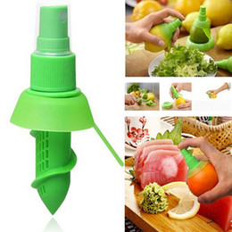 Wholesale Spray Lemon Juice - Creative Orange Juice Squeeze Juice Sprayers Lemon Spray Mist Orange Fruit Mini Squeezer Sprayer Kitchen Cooking Tool Hot Sell 1my J R