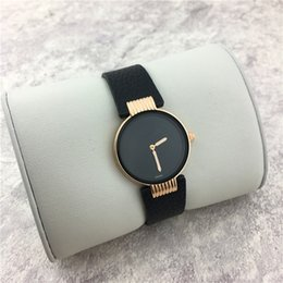 relogios de couro simples Desconto Itens quentes Mulheres relógios Coloridos de couro Genuíno Relógio Simples Senhora relógio Feminino relógios de Pulso Top Presentes Da Marca Acessórios vendas de comércio exterior