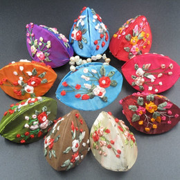 Wholesale Silk Box Jewelry Handmade - Handmade Ribbon Embroidery Small Shell Box Ring Gift Jewelry Case Chinese Silk brocade Cardboard Decorative Coin Packaging Boxes