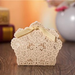 Wholesale Luxury Chocolate Gifts - Wholesale- 50X Laser Cut Favor Box Red Wedding Candy Box 2015 Luxury Baby Shower Chocolate Paper Gift Box Bomboniere Boite A Dragee Bapteme