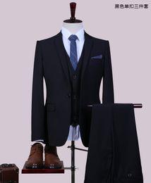 finition noire Promotion 2017 nouveau smoking smokings bleu royal garçons d'honneur coutume côté évent meilleur homme costume de mariage / costumes pour hommes marié (veste + pantalon + gilet + plus de cadeaux)
