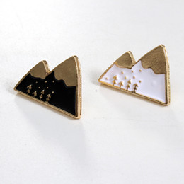 Wholesale Cool Brooches - Wholesale- 1pc Harajuku Alloy Enamel Kawaii White Black Mountain Broche Badges Lapel Pins Safe Brooches Scarf Cool Boy Women Jewelry Gifts