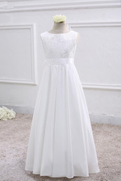 Deutschland Bateau Neck Soft Satin Blumenmädchenkleid mit Spitze Stickerei 2019 bodenlangen Prinzessin Kommunion Kleid Versorgung