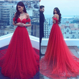 Bohemia Red Off Shoulder Prom Dresses Vestido De Fiesta Largo Con Cuentas Grandes Count Train Lace Up Volver Celebrity Evening Gowns Formal Beach Wear