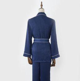 L'Europe et les États-Unis couleur pure confortable peignoir respirant split service à domicile pyjama quatre ensembles ? partir de fabricateur