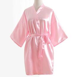Al por mayor-verano de las mujeres Kimono Mini Robe Pink Faux seda vestido de baño Yukata camisón ropa de dormir Pijama Mujer One Size Msj011 desde fabricantes