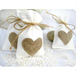 Wholesale Trendy Party Bags - Free Shipping Burlap Heart Favor Bag Trendy White Natural Linen Drawstring Wedding Gift Bags Jewelry Bag 50pcs