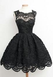 Vestiti da sera sexy caldi sexy online-Hot Black Lace Homecoming Party Dresses Zipper Back Mini Short 8th Graduation Dresses Sweet 16 Abiti Vestido De Fiesta