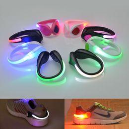 Canada LED chaussures clip lumière vélo vélo prudence lumière nuit course sécurité fête fête lumineuse bébé jouets Offre