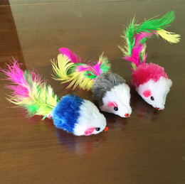 Wholesale Fantasy Feathers - 2 inches colored feather tail mice cat toy mouse toy factory direct sale