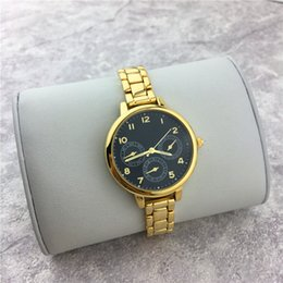 Wholesale Lady Small Watch - New Model Women Watch Steel Strap Luxury Lady wristwatch Female Quartz Top brand Jewelry buckle Shell Face Small eyes Crystal Free shipping